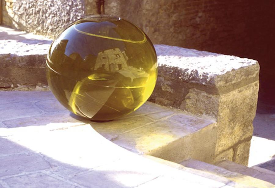 Caterina Aicardi, opere, scultura, natura, art, ninfee, resina, acqua, sfera, palla